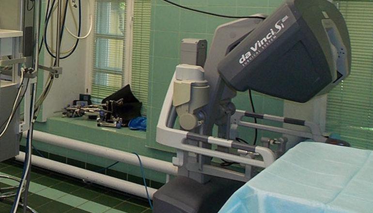 Робот Да Винчи в операционной МОНИИАГ